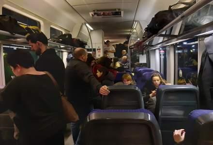 "[FOTO] Reportaj: ""D-ale carnavalului"" pana la Bucuresti in trenul navetistilor"