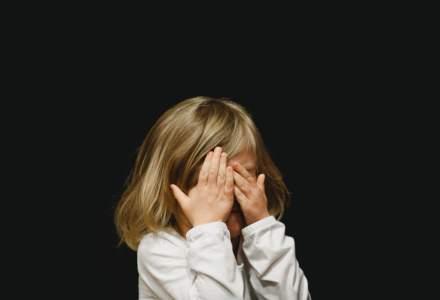 Numarul minorilor, victime ale abuzului sexual pe internet, in crestere. Fenomenul, neglijat de parinti