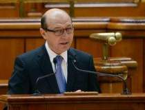 Basescu vrea un nou...