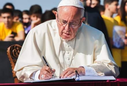 "Papa Francisc ii condamna pe cei care pornesc razboaie ""fara sa stie sa-si domine pasiunile"""