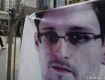 Agentul CIA Edward Snowden a...
