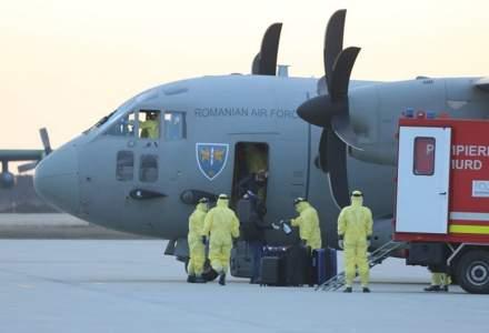Şase români de pe vasul ''Diamond Princess'' au fost repatriaţi cu o aeronavă MApN