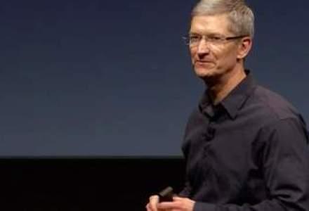 Jumatate din pachetul salarial al sefului Apple in urmatorii 8 ani depinde de evolutia pe bursa