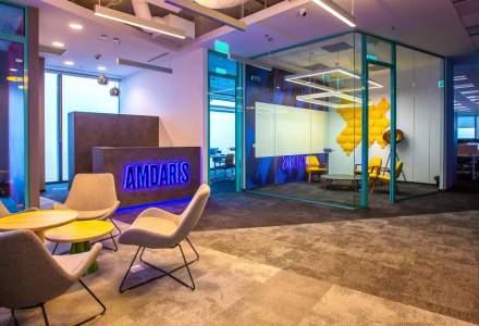 """În vizită la compania unde directorii sunt oameni, nu """"zei"""", și lucrează în open space printre """"Amdarieni"""""""