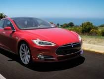Câte mașini Tesla au plăcuțe...