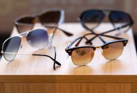 De mărțișor, românii au căutat în magazinele online ochelari care să îi protejeze de coronavirus