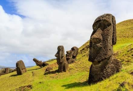 Una dintre faimoasele statui de pe Insula Paștelui, distrusă de către o camionetă
