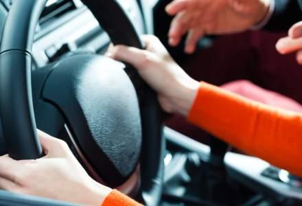 Examenele pentru obținerea carnetului de șofer se suspendă. Ce se întâmplă cu înmatriculările și prelungirea permiselor auto