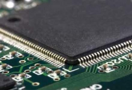 Intel anunta venituri si profit in scadere