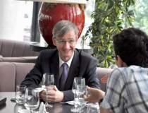 Pranz cu francezul glumet de...