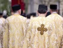 Coronavirus | Doi preoți din...