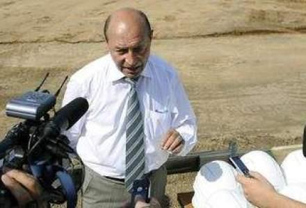 Presedintele Basescu viziteaza astazi santierul autostrazii Arad-Nadlac