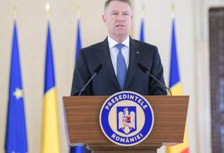 Klaus Iohannis vrea să le ofere un bonus de 500 euro/lună medicilor care se ocupă de cazurile Covid-19