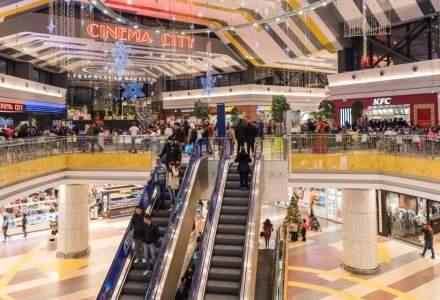 CORONAVIRUS: Magazinele închise ar putea topi veniturile mall-urilor din București cu zeci de mil. euro în aprilie