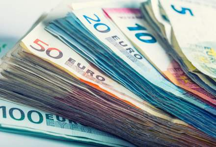 Comisia Europeană şi Fondul European de Investiţii deblochează 8 MLD. euro pentru finanţarea a 100.000 de IMM-uri