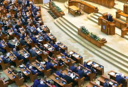 În plină pandemie de Coronavirus, Parlamentul a decis majorarea salariilor cu chiar 100% pentru unii angajați plătiţi din fonduri publice