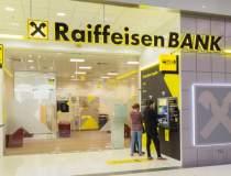 Raiffeisen Bank a amânat...