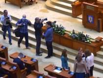 Parlament: Şedinţă online cu...