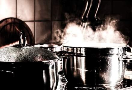 COVID-19 | Studiu: În vreme de pandemie, aproximativ 70% dintre români gătesc mai mult acasă