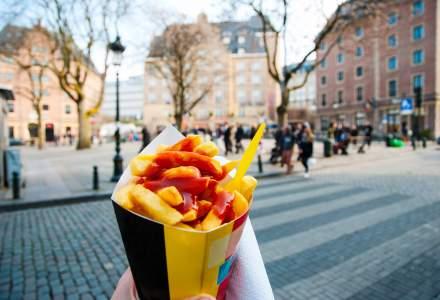 Belgienii sunt îndemnaţi să mănânce cartofi prăjiţi de două ori pe săptămână pentru a rezolva problema surplusului