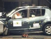 Dacia Sandero primeste doar 3...