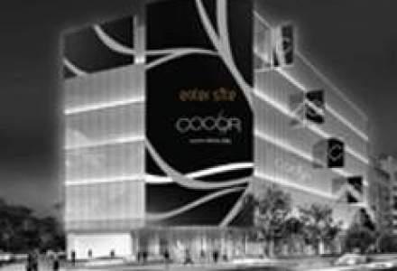 Cea mai mare fatada media din Europa continentala, pe magazinul bucurestean Cocor