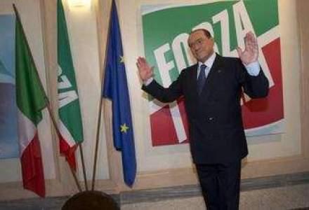 "Un gest ""nebun"": Berlusconi arunca Italia intr-o noua criza"