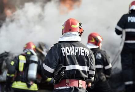 Incendiu în București pe o platformă industrială din zona Pallady