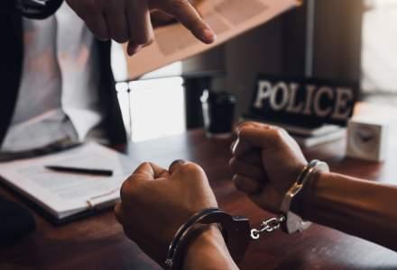 Om de afaceri, reţinut de DNA după ce a încercat să mituiască un director de la Romgaz