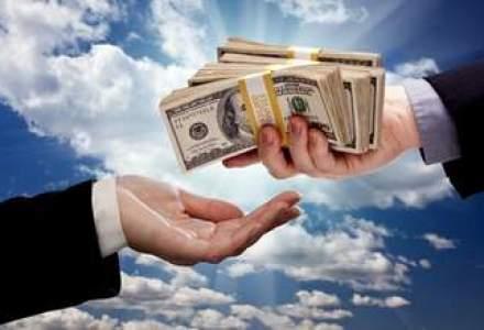 Bancile din SUA umplu bancomatele: ce le impinge la aceasta masura de panica
