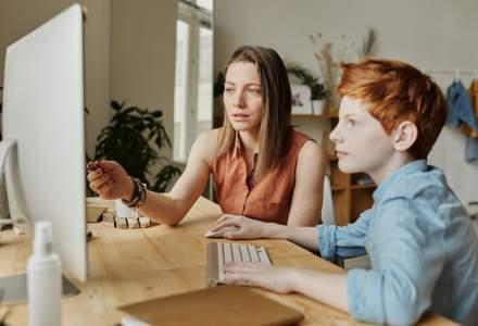 Sondaj SuperTeach: Părinții vor ca învățarea online să fie continuată după întoarcerea copiilor la școală