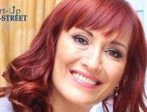 Trainerul Lucia Manole vine...