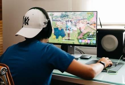 Distracție și educare: cum pot învăța copiii să facă programare prin jocuri precum Minecraft