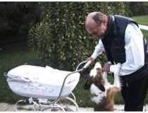 Inedit: Basescu posteaza pe...