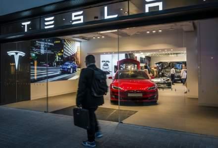 Situație absurdă în piața auto: Tesla valorează de două ori mai mult decât Ford, Chrysler si General Motors, dar are venituri de 15 ori mai mici