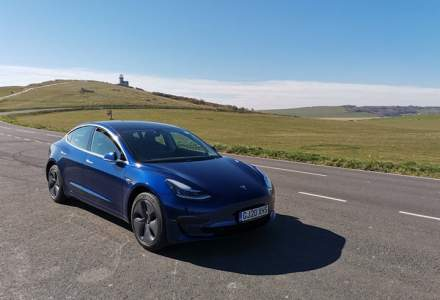 Avantajele și dezavantajele unei Tesla Model 3 aflate de la un proprietar român