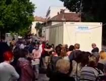 Coadă uriașă la Cluj: Sute de...