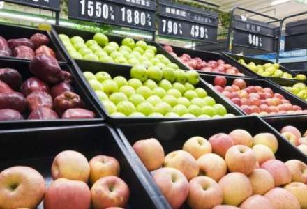 Fructele proaspete, conservele din fructe şi transportul aerian s-au scumpit cel mai mult, în mai