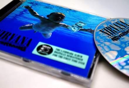 Chitara lui Kurt Cobain a fost vândută cu o sumă record în cadrul unei licitații