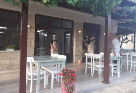 FOTO-VIDEO REPORTAJ | Cum arată tavernele din Grecia