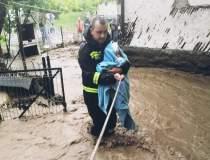 FOTO Inundații grave în toată...