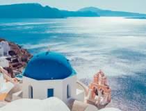 Grecii îi liniștesc pe...