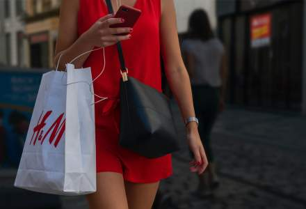 H&M va închide 170 de magazine în 2020, din cauza crizei Covid-19