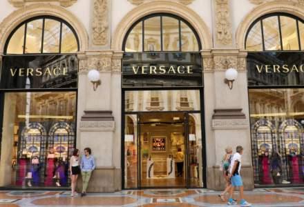 Michael Kors și Versace închid 170 de magazine după vânzări în scădere cu 70%