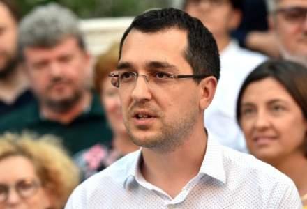 Vlad Voiculescu: Firea a anunţat că a început construcţia la un spital, fără să aibă documentele necesare
