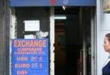 Cererea mare de euro a ieftinit leul la 4,34 lei/euro [Update]