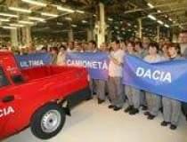 Uzina Dacia isi suspenda...