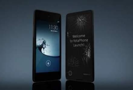 De la rusi vine tehnologia: a aparut smartphone-ul cu ecran fata-verso