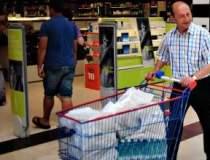 Basescu, la cumparaturi:...