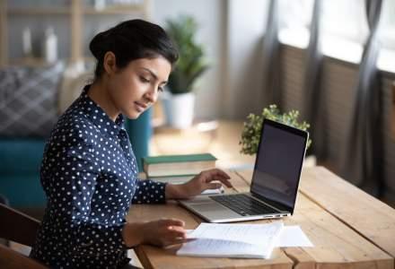 Cursurile din învăţământul preuniversitar şi universitar se pot desfăşura şi online